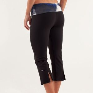 Lululemon Gather and Crow Crop Legging Milky Way